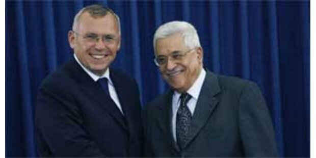 Gusenbauer legt Kranz an Arafat-Grab nieder