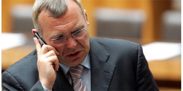 Gusenbauer vermutet Absprachen Flöttls mit Regierung