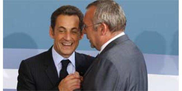 Gusenbauer wohnt französischem Staatsfeiertag bei