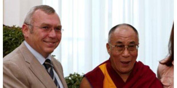 Gusenbauer verteidigt Treffen mit Dalai Lama