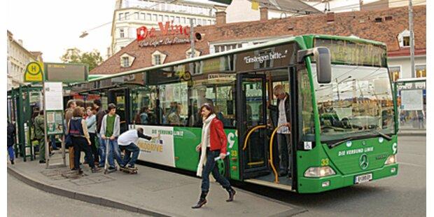 Fußgänger (47) von Bus erfasst