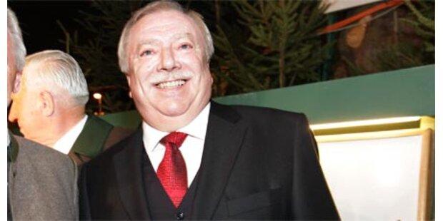 Häupls Krawatte brachte 4.000 Euro
