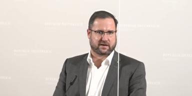 FPÖ erstattet Korruptions-Anzeige gegen Kurz