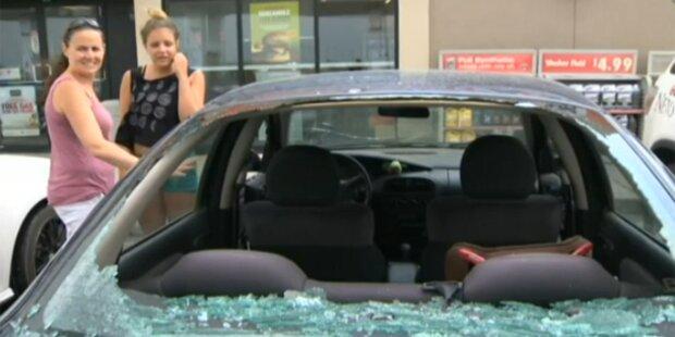 Hagelgewitter zerstörte Autos