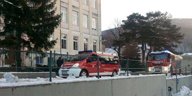Feuer in Schule: 33 Kinder gerettet