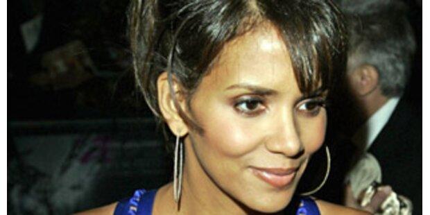 Halle Berry verklagt lästigen Paparazzo