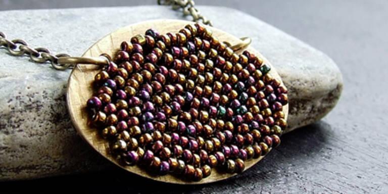 Pärchen stahlen Halsketten bei Juwelier