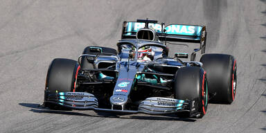 Hamilton siegt nach Vettel-Drama