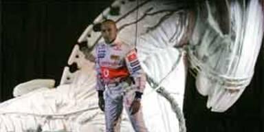 Formel 1 lacht über PR-Auftritt von Hamilton