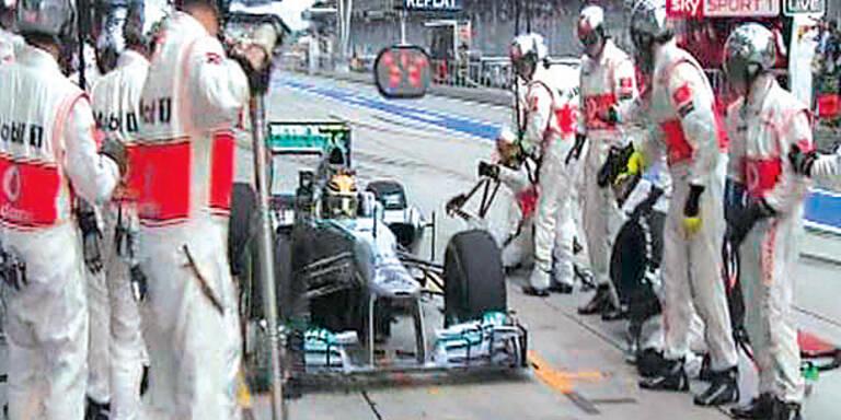 Hamilton fuhr in die falsche Box