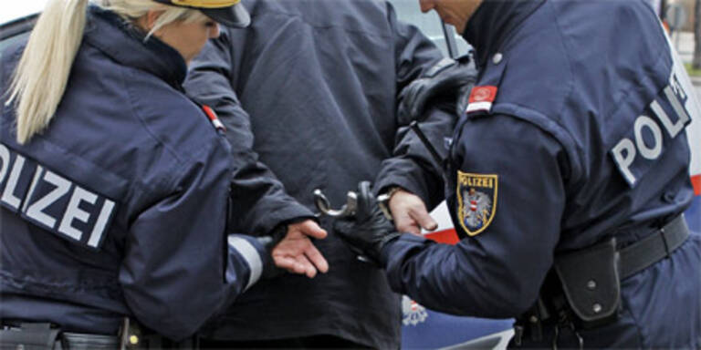 Missbrauch: Vater und Sohn in Haft