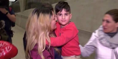 Handschellen-Bub wieder bei seiner Mama