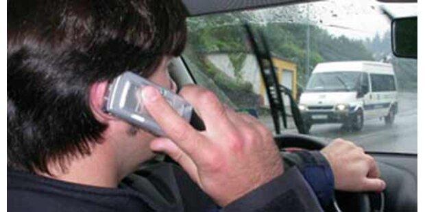 Ende für Handy-Verbot am Steuer?