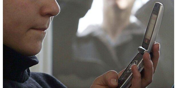 Mann terrorisierte 13-Jährige mit Handy-Pornos