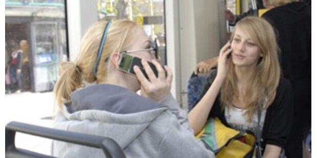 Grazer pfeifen auf Handy-Verbot