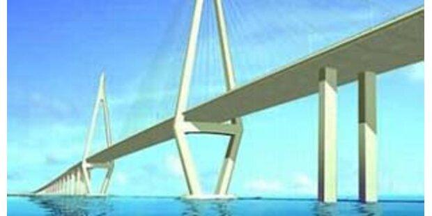 Längste Brücke der Welt bei Shanghai eröffnet