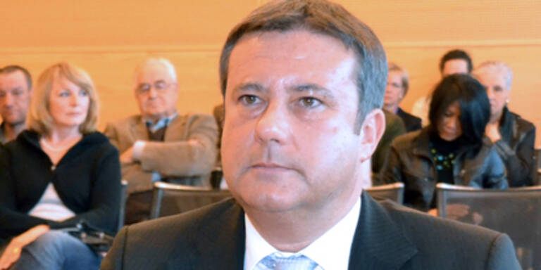 Hans Linz vor Gericht festgenommen