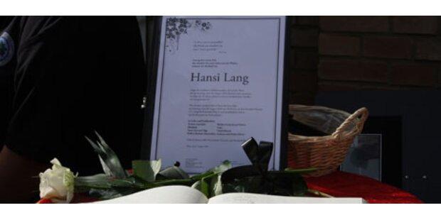 Austropop-Legende Hansi Lang beigesetzt