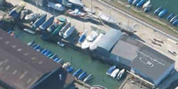 Motoren aus Harder Werft gestohlen