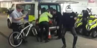Londoner Polizisten tanzen Harlem-Shake