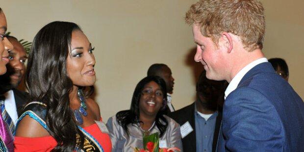 Bei Miss Bahamas wird Prinz Harry rot
