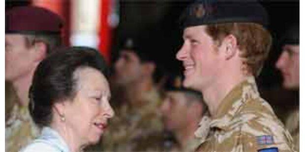 Prinz Harry mit Medaille ausgezeichnet