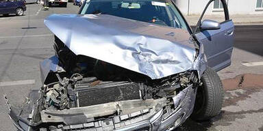 Crash in Ottakring: 2 Verletzte