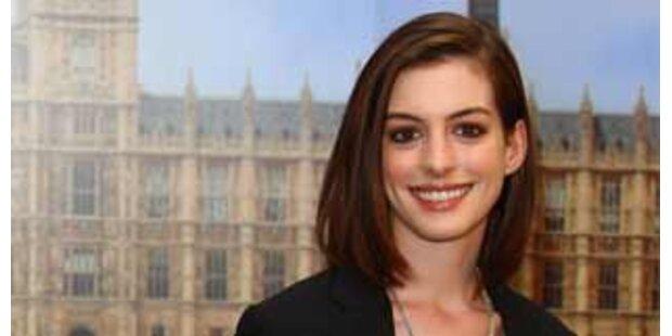 Anne Hathaway erzählt gerne schmutzige Witze