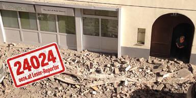 Wien: Hausdach stürzt auf die Straße
