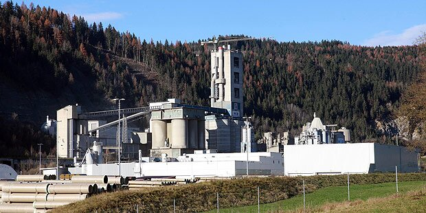 Zementwerk verarbeitete 100.000 Tonnen HCB-Kalk