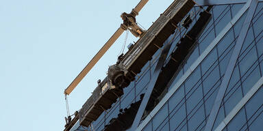 Fensterputzer zitterten in 152m Höhe