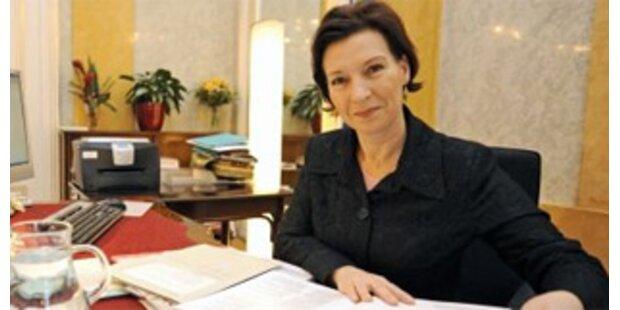Heinisch-Hosek: Einkommensabhängiges Kindergeld bis 2010