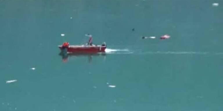 Hubschrauber stürzt in den Achensee