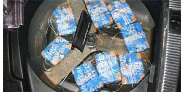 Zwei Ungarn mit 14 Kilo Heroin gestoppt