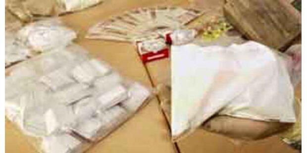 Polizei sprengt Drogenring