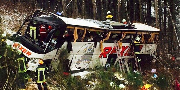 Mindestens 4 Tote bei Bus-Unglück in Hessen