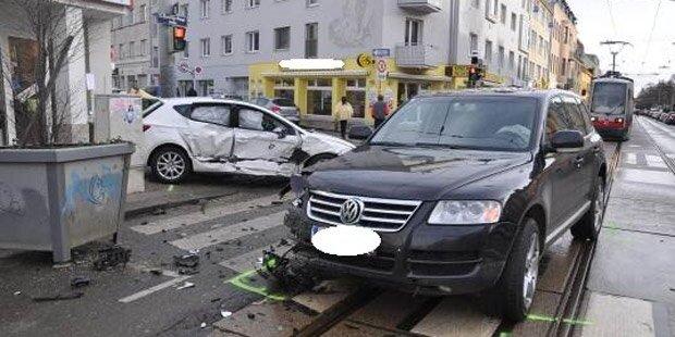 Hietzing: Drei Verletzte bei Unfall