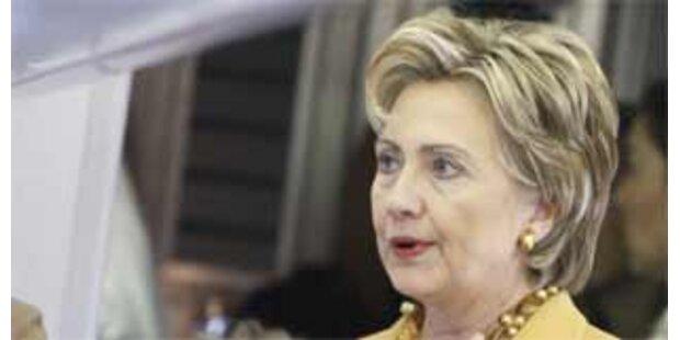 Senator fordert Aufgabe von Hillary Clinton