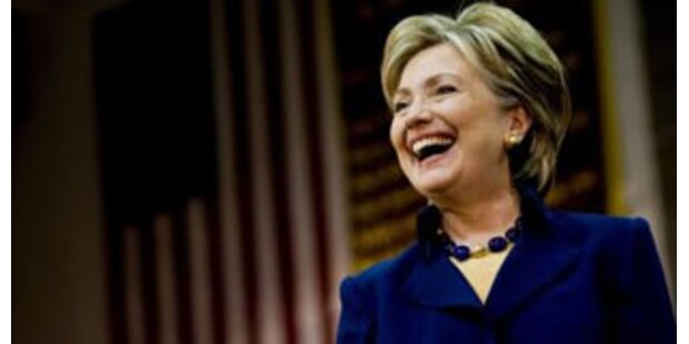 Hillary verdient weniger als Vorgängerin Rice