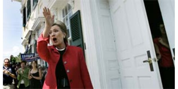Hillary Clinton leiht sich wieder Geld