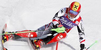 Hannes Reichelt gewinnt die Abfahrt in Kitzbühel