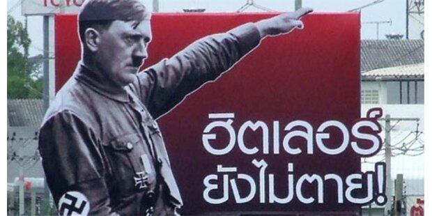 Empörung über Hitler-Werbetafel
