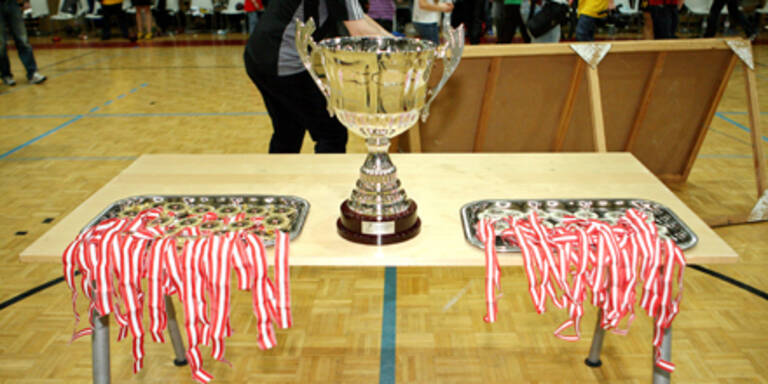 Meister-Pokal der HLA gestohlen