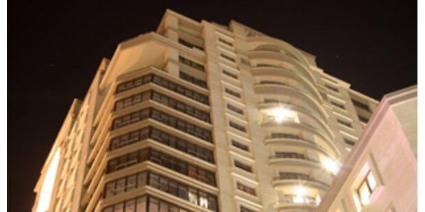 12-jähriges Mädchen überlebt Sturz aus 15. Stock