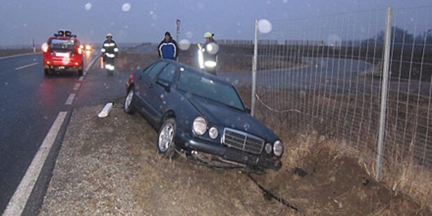 Glatteis: 17 Verletzte bei Unfällen in NÖ