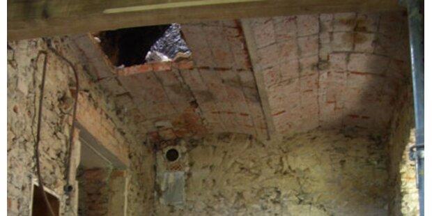 Arbeiter stürzte 4 Meter tief