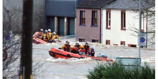 Hochwasser-Chaos in Großbritannien