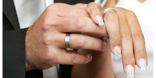 112-Jähriger heiratet 17-Jährige
