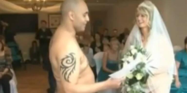Britisches Paar feiert Nackt-Hochzeit