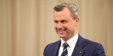 Experte: So gefährlich ist Hofers Balkan-Politik